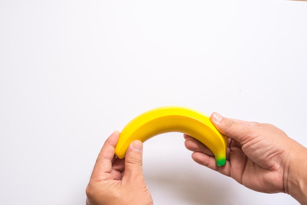 ha a pénisz lefelé görbül