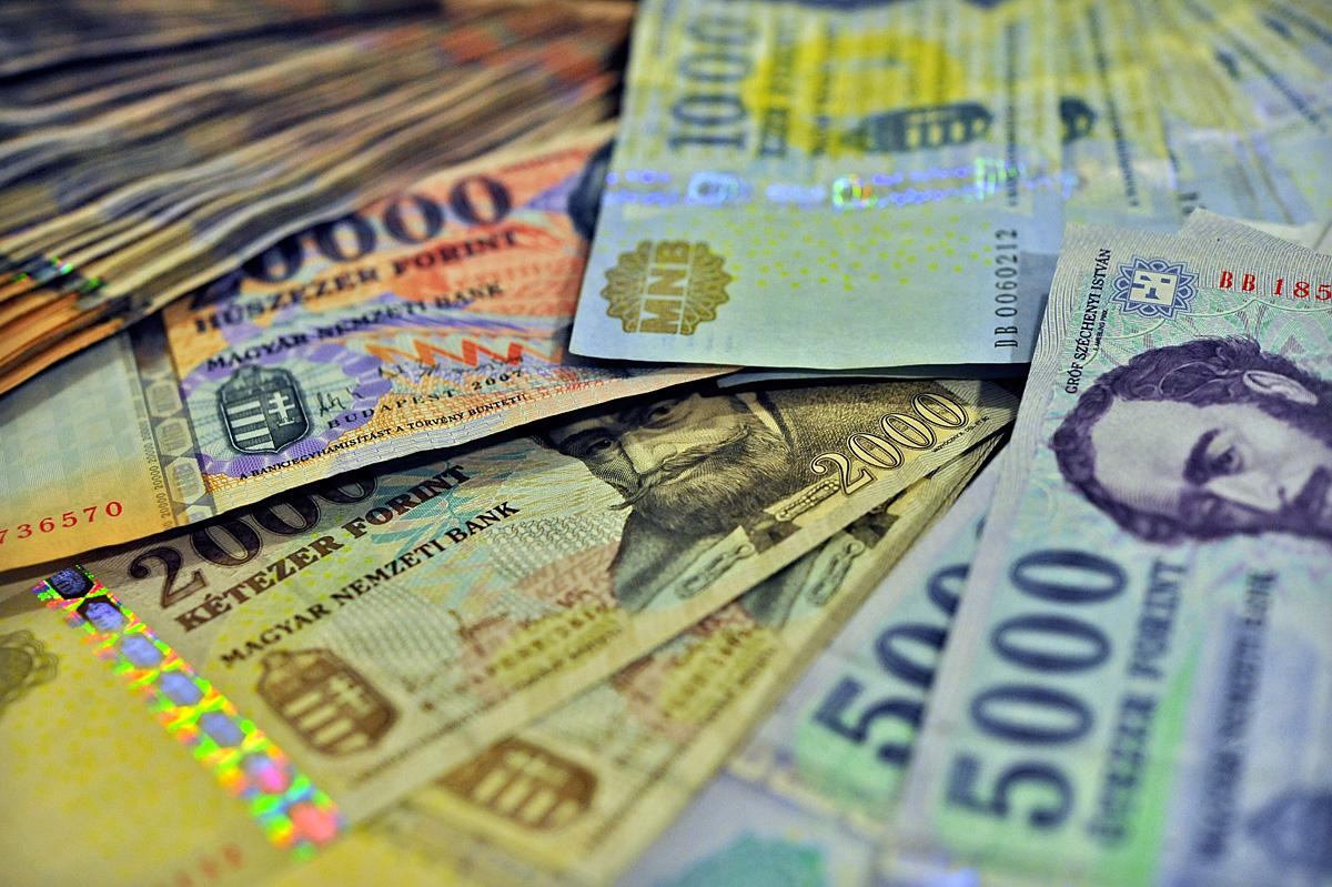rossz pénze van)