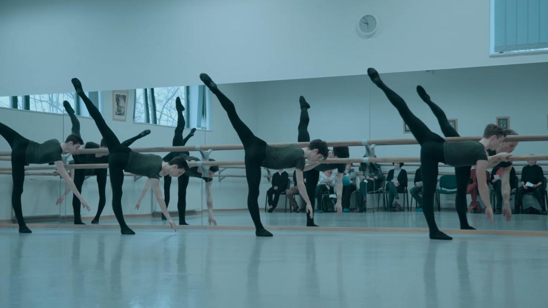 a balett-táncosnak merevedése van erekciós vélemények