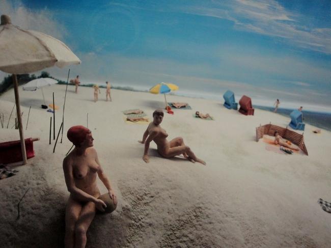 fénykép pufók nudista a tengerparton